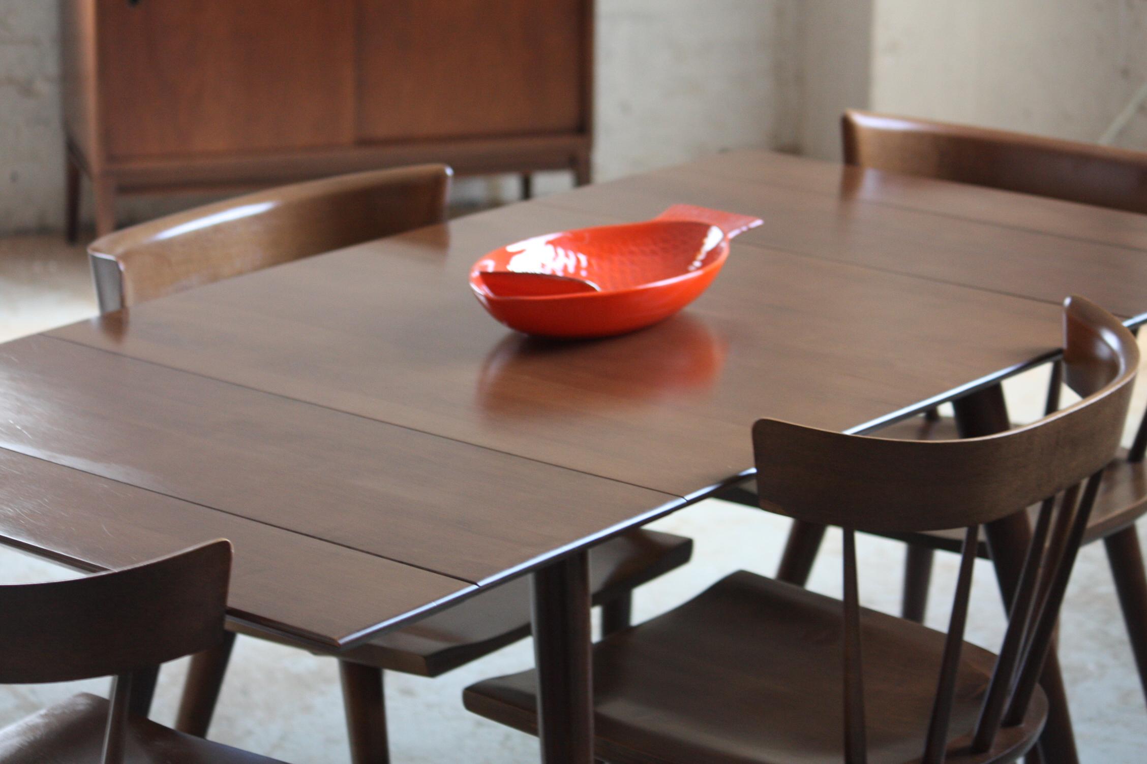 virtuvės stalas mažai erdvei