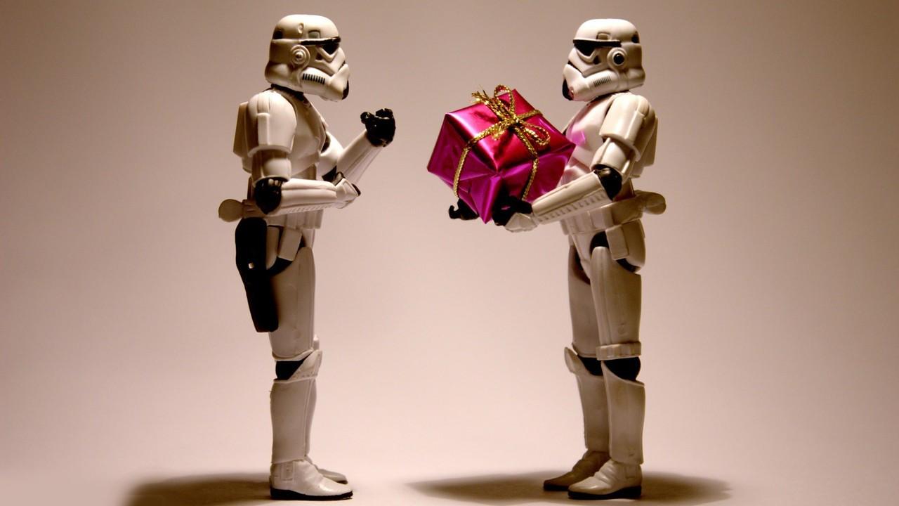 dovanos vaikinui