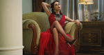 Raudona proginė suknelė