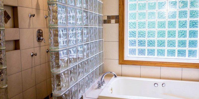 patarimai įsirengiant dušo kabiną